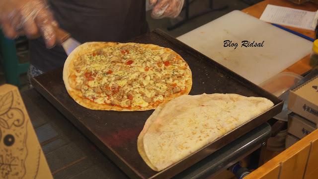 Medan Night Market: Akhirnya bisa kesini - Proses pembuatan pizza