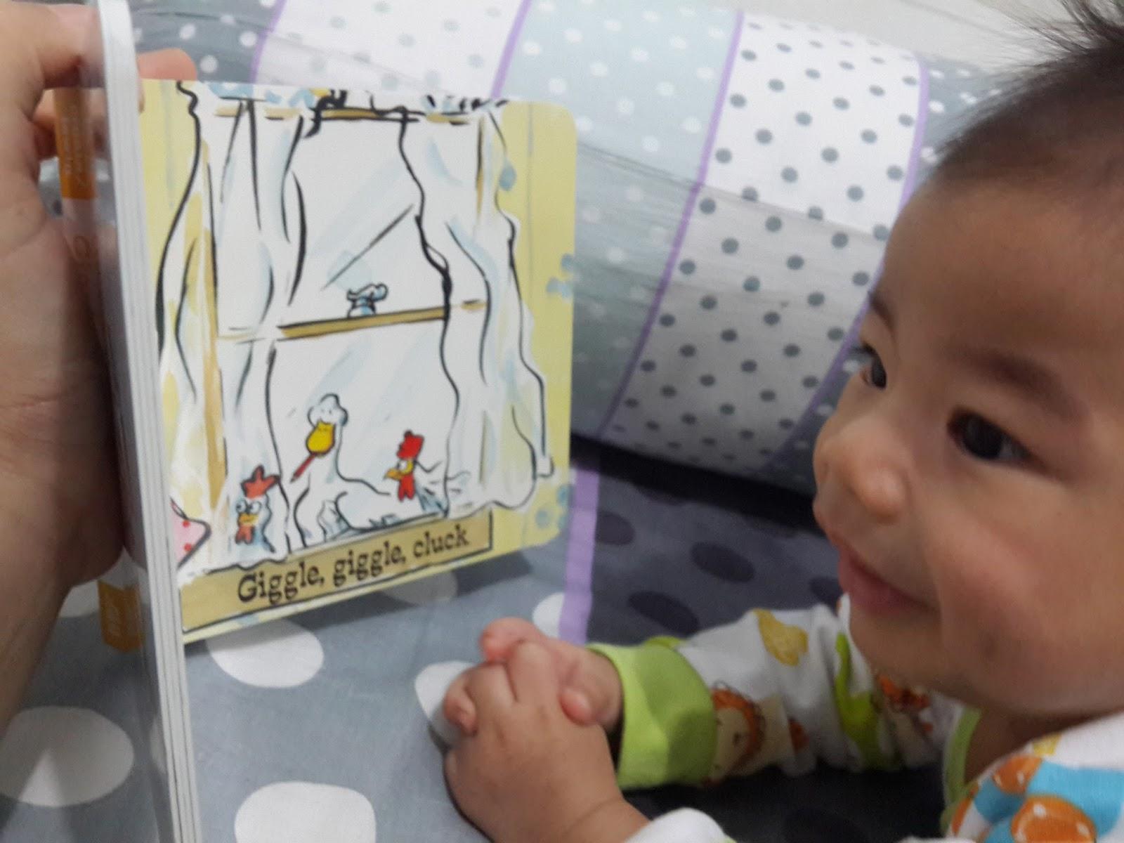 """Usia 3 bulan Nara suka sekali kalau diajak """"membaca"""""""