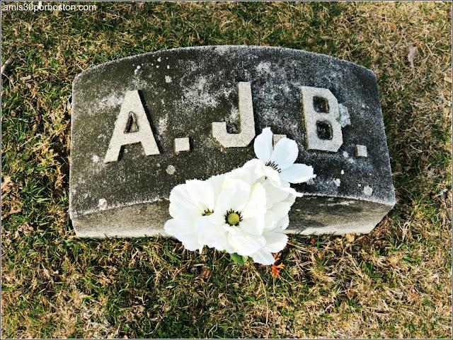 Tumba de Andrew Borden en el Oak Grove Cementery