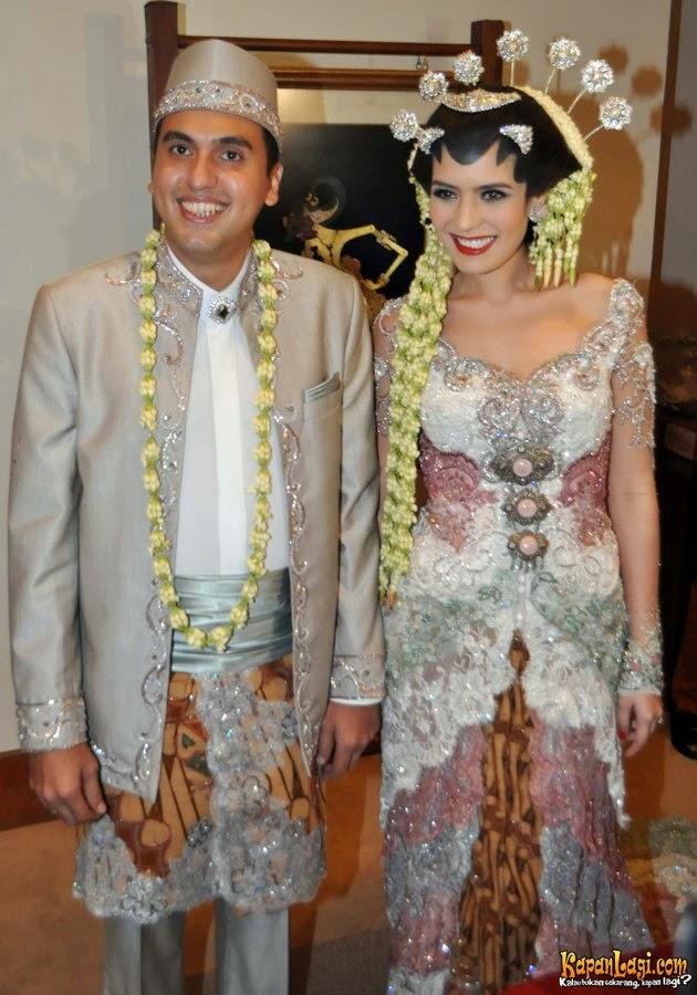 25 Kebaya Pengantin Artis Indonesia Curi Ide Model Kebaya Nya