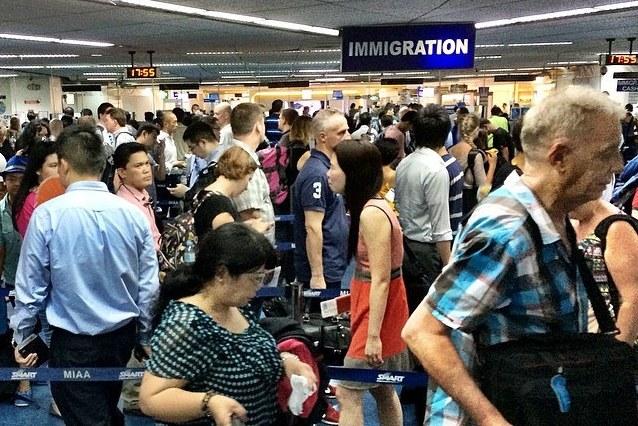 Foreigner, naging PULUBI pagkatapos tulungan ang mga PINOY na kaibigan!