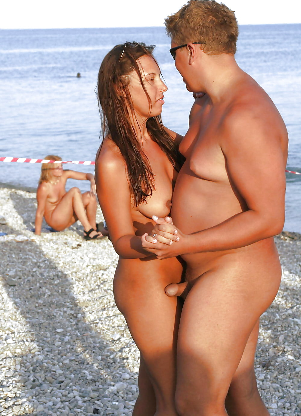 erections-on-the-nudebeach