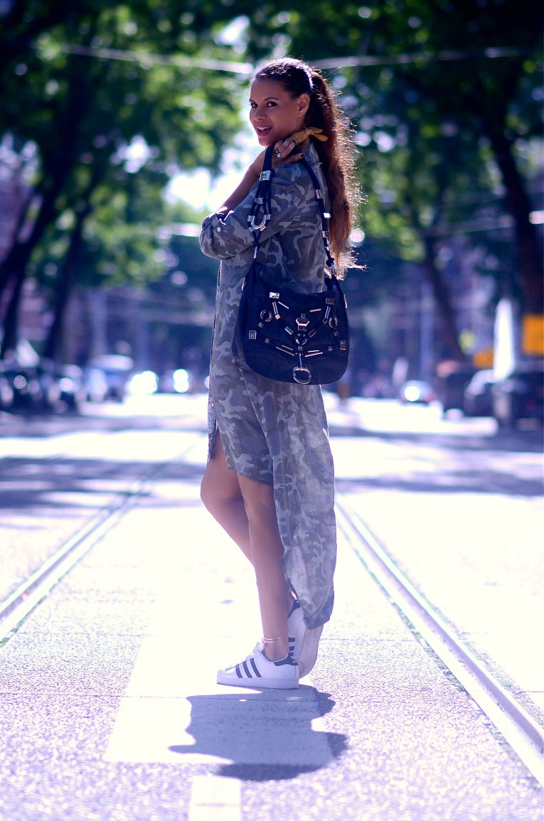 Camouflage shirt dress, Gucci Techno Horsebit bag, Brown bandana scarf, Tamara Chloé, TC Style Clues, Adidas all stars, Amsterdam