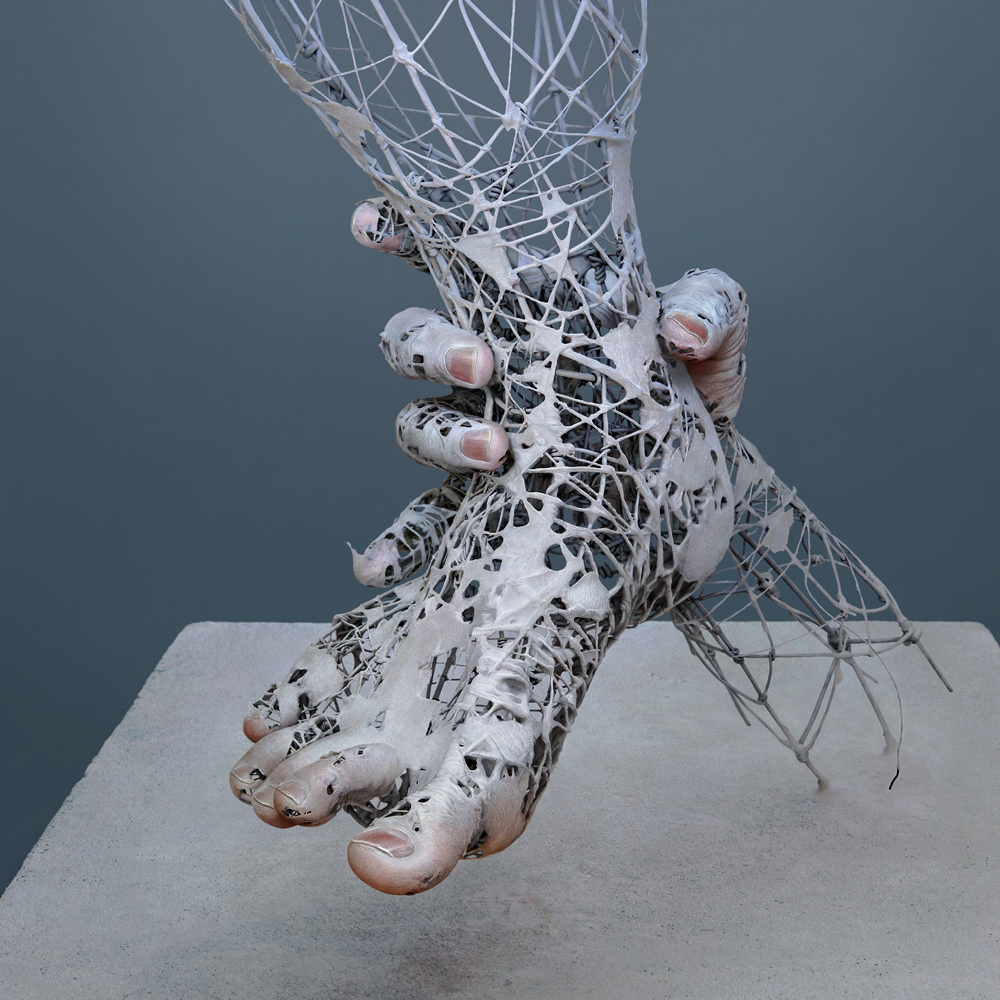 08-Yuichi-Ikehata-Kakuunohito-Surreal-and-Realistic-Physical-Fragment-Sculptures-www-designstack-co
