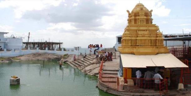 మత్స్యగిరి లక్ష్మీనర్సింహ్మాస్వామి దేవాలయం, యాదాద్రి