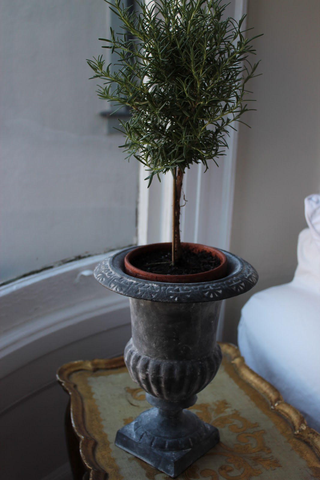 Summersoul Decorating With Urns