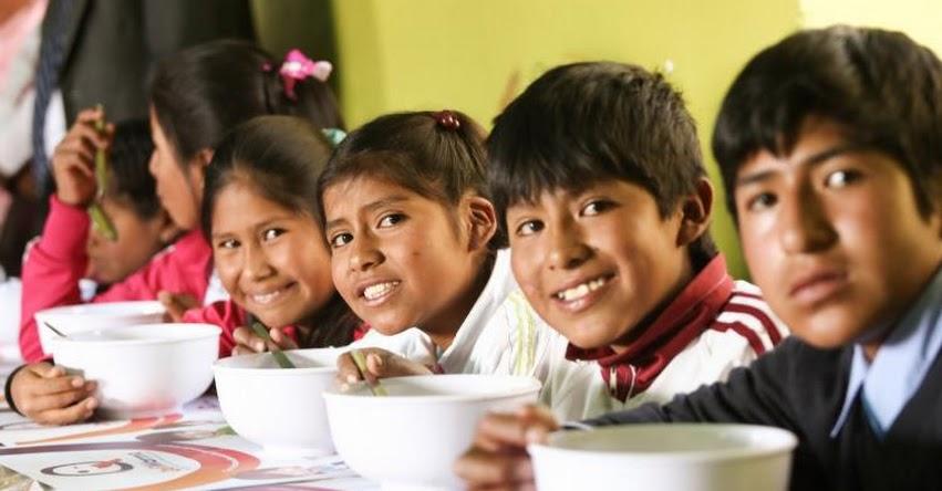 QALI WARMA: Durante el 2017 en todo el país Midis brindó más de 4 millones y medio de desayunos y almuerzos diariamente a escolares de II.EE públicas - www.qaliwarma.gob.pe
