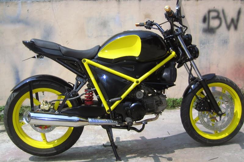 Foto Modif Honda Kharisma 2005 ala Ducati
