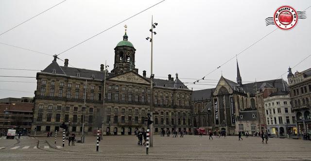 Amsterdam, Palacio Real e Iglesia Nueva