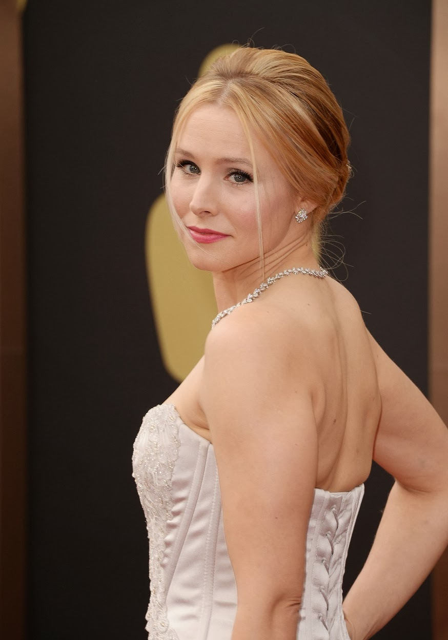 Kristen Bell in a strapless Roberto Cavalli gown at the ...