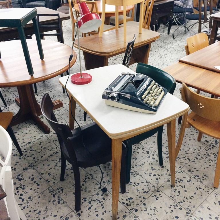 frollein pfau mittwochs mag ich vintage m bel mmi 131. Black Bedroom Furniture Sets. Home Design Ideas