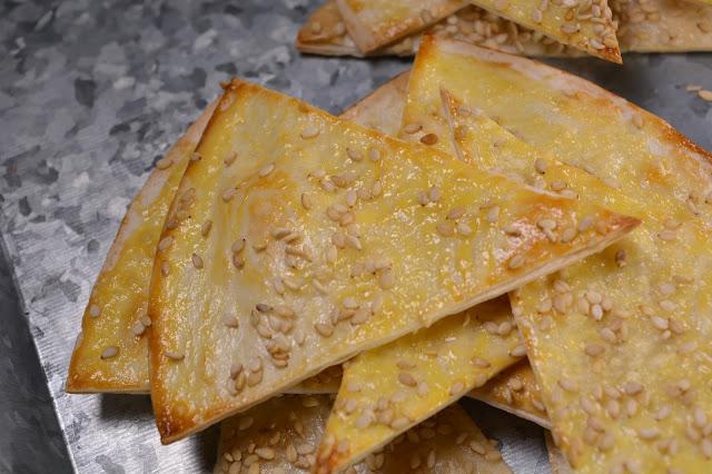 Helppo muodonmuutos (tortilloista rapeiksi nachoiksi)