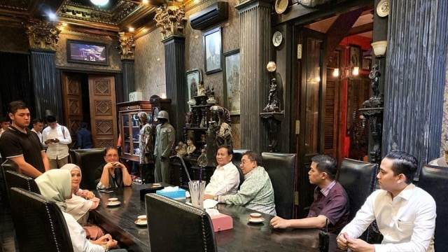 Berikan Dukungan Moral ke Keluarga, Prabowo Kunjungi Rumah Ahmad Dhani