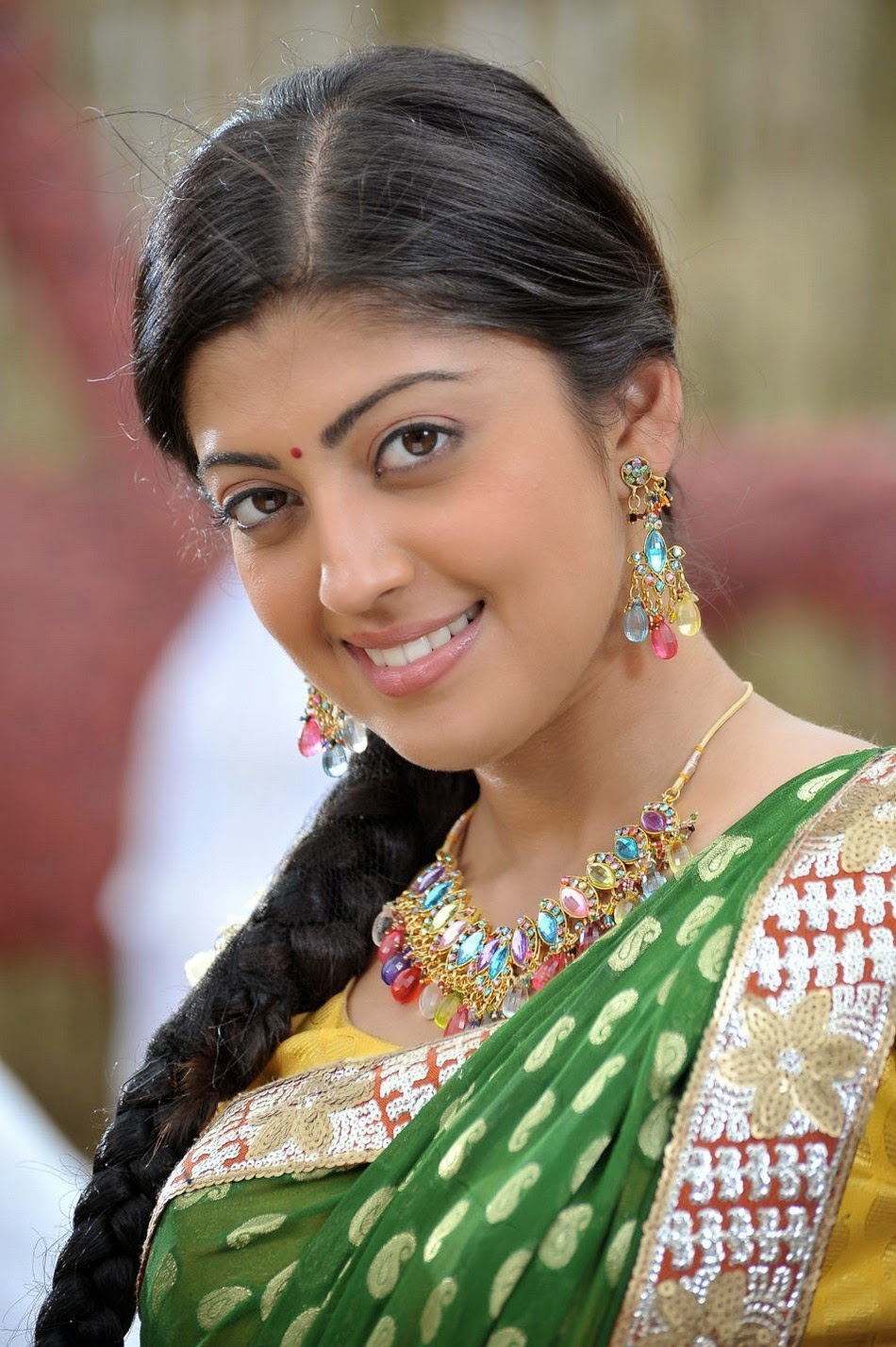 Actress Hd Gallery Pranitha Subhash Latest Cute Saree Hot -6165