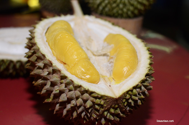 A Durian Feast of Musang King and Black Thorn Durians @ Durian King TTDI