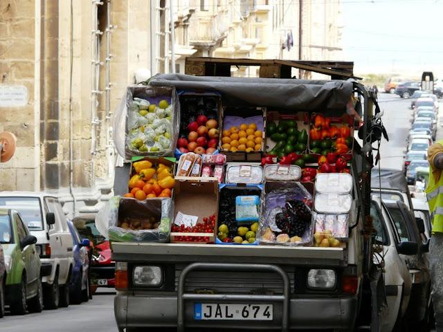 Uliczny warzywniak - Malta
