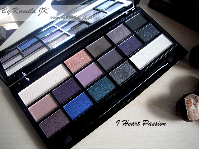 Makeup Revolution paleta cieni z sercem I Heart Passion