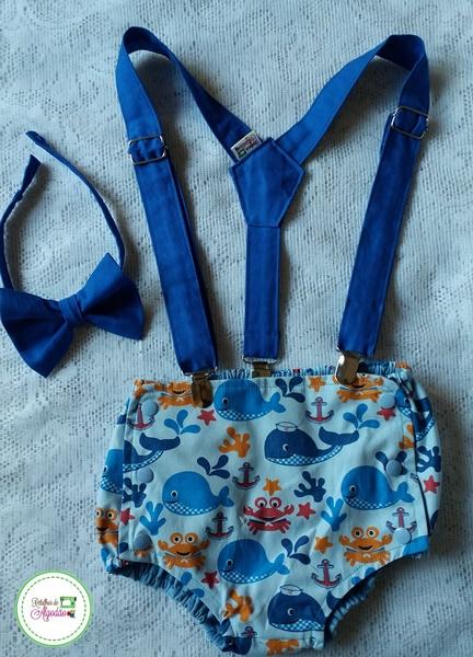 Cobre fralda fundo do mar fechado por botões com suspensório e gravata borboleta azul royal