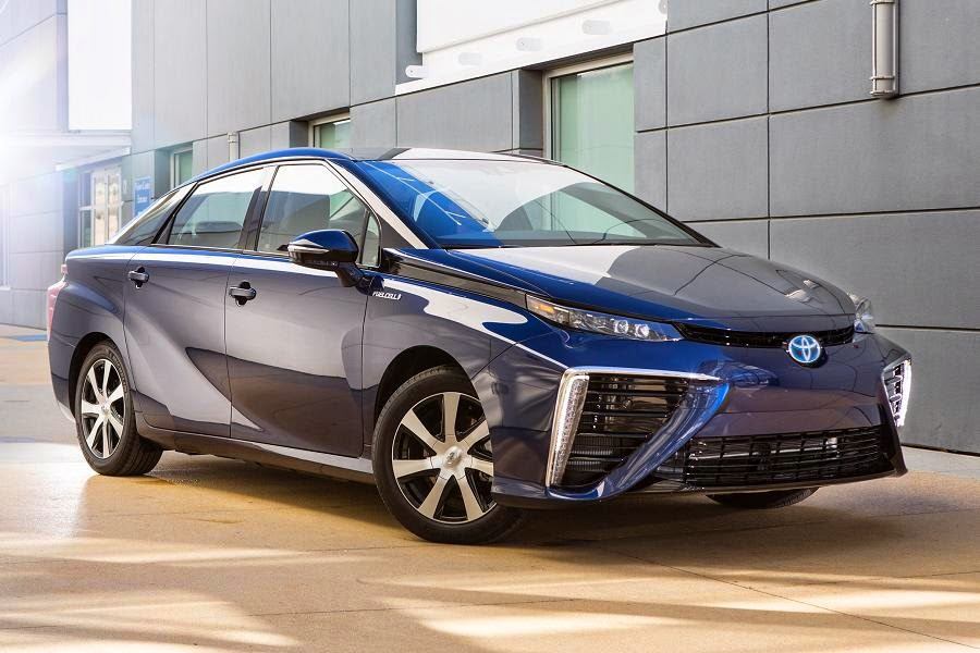 Toyota Mirai (2016) Front Side