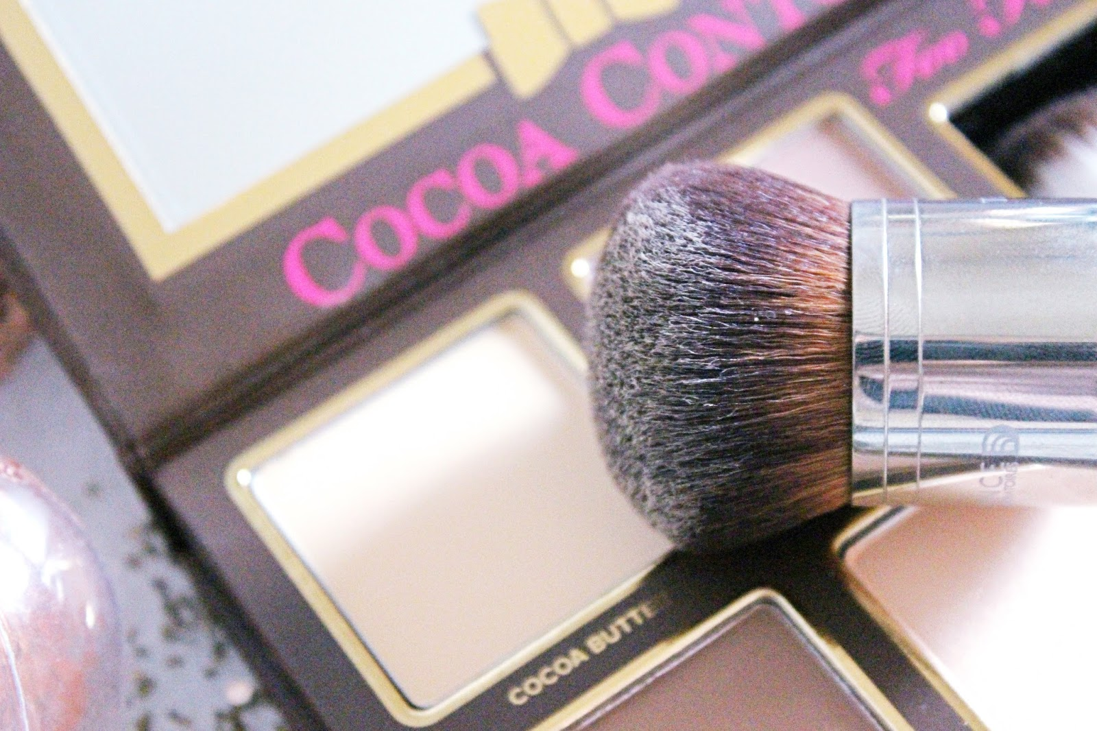 Cocoa Contour de Too Faced