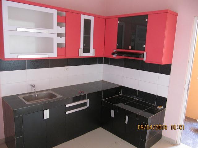 dapur warna merah hijau