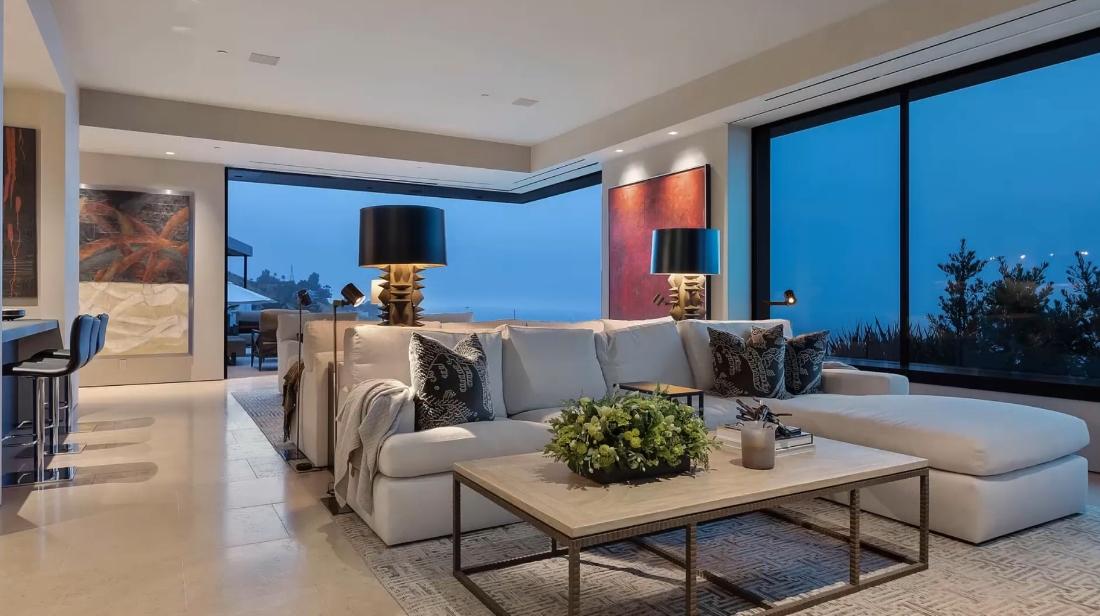 31 Interior Design Photos vs. 1616 Blue Jay Way, Los Angeles Luxury Home Tour