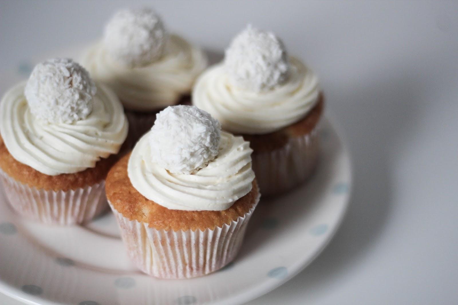 Raffaelo Cupcakes http://www.lootieloosplasticworld.de
