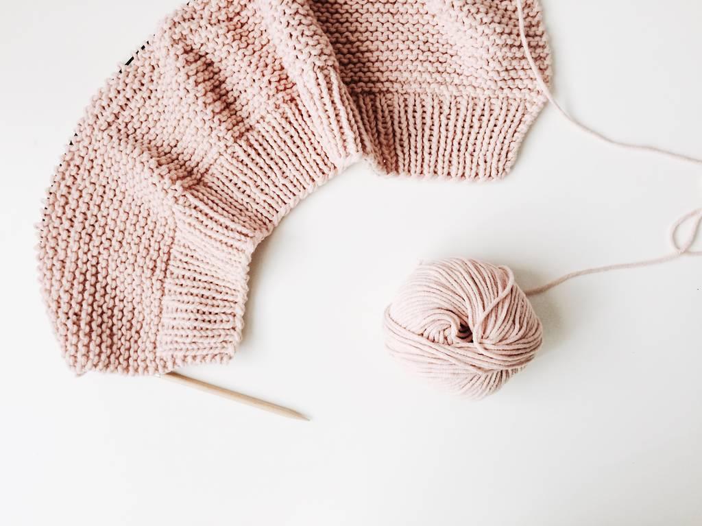 め 編み 一目 む 輪 ご あみど 輪針で編むニット帽子の編み方1