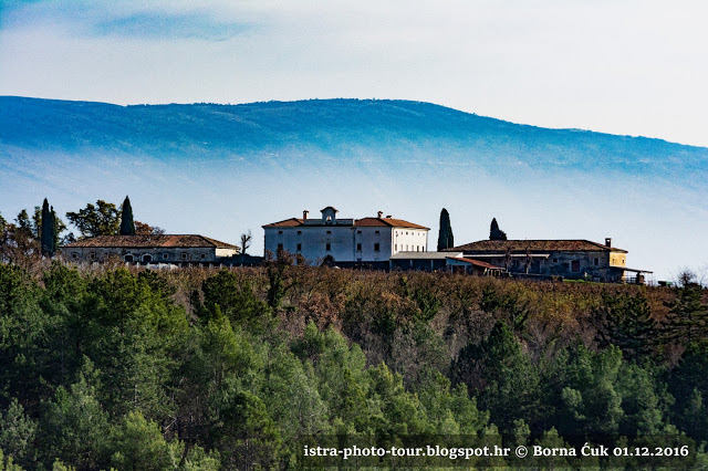 Kaštel Belaj ladanjski dvorac Barbo