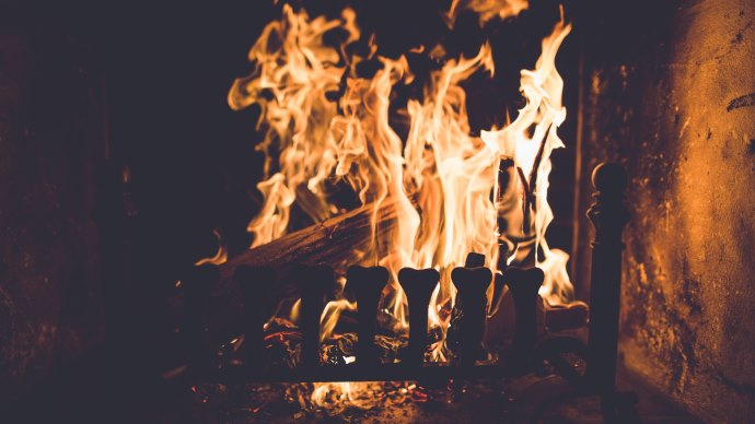 Wallpaper: Fire in Fireplace