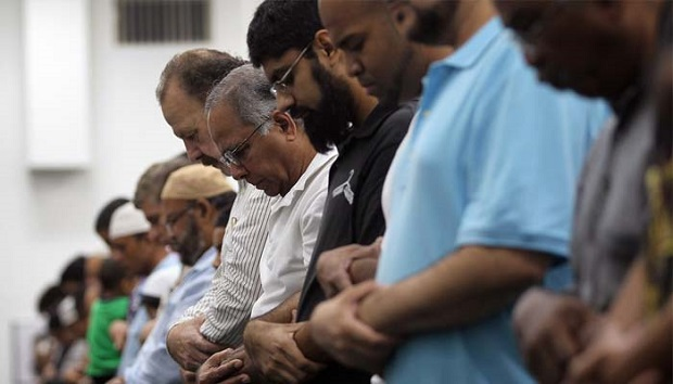 Tahukah Kamu ? Jika Kamu Lelaki Muslim Kamu Harus Shalat Shubuh di Masjid, Ini Alasannya