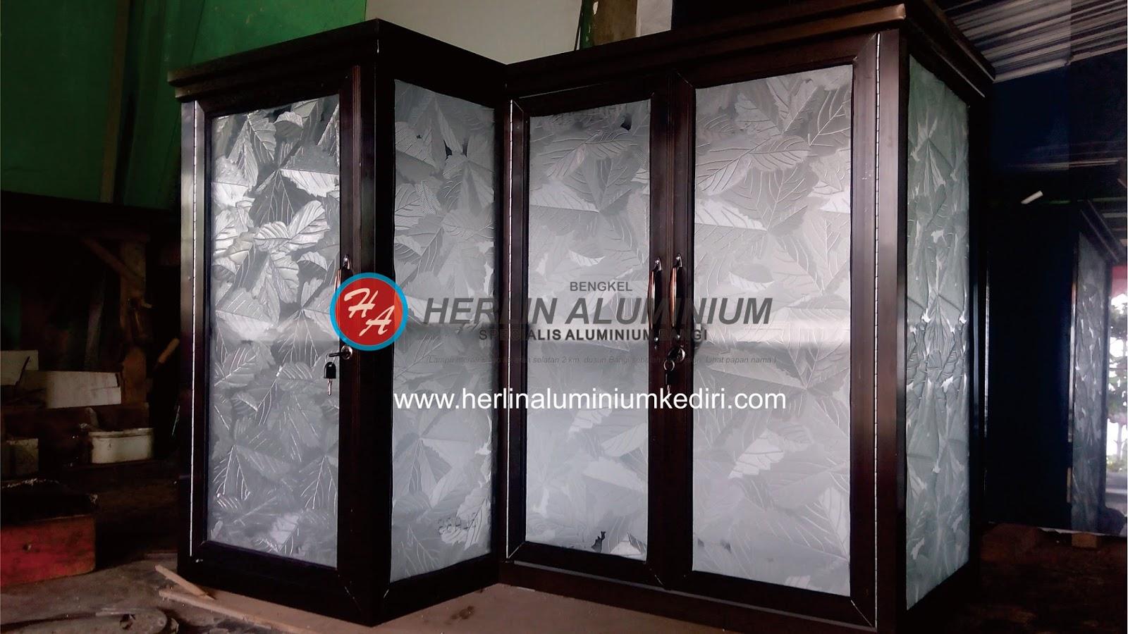 Bengkel aluminium pembuatan kitchen set di daerah kediri for Gambar kitchen set aluminium
