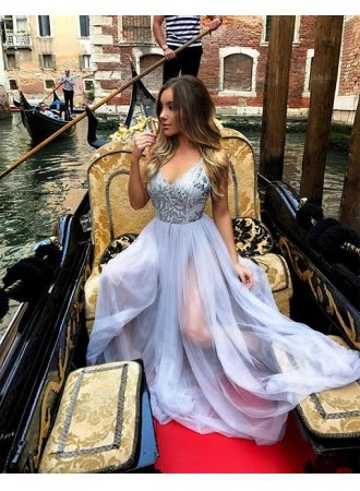 https://www.babyonlinedress.fr/g/forme-princesse-longueur-ras-du-sol-bretelles-spaghetti-tulle-robes-de-soiree-avec-perle-107729.html?source=blog_fashion_spike