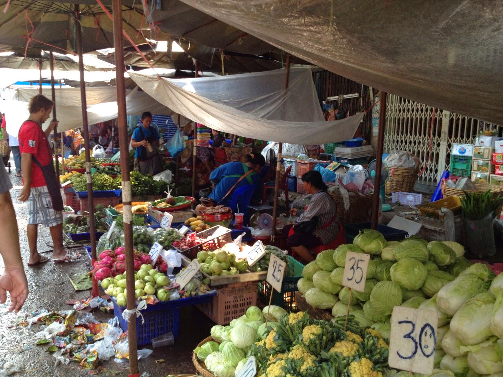 Bangkok - Wet market vegetable stalls