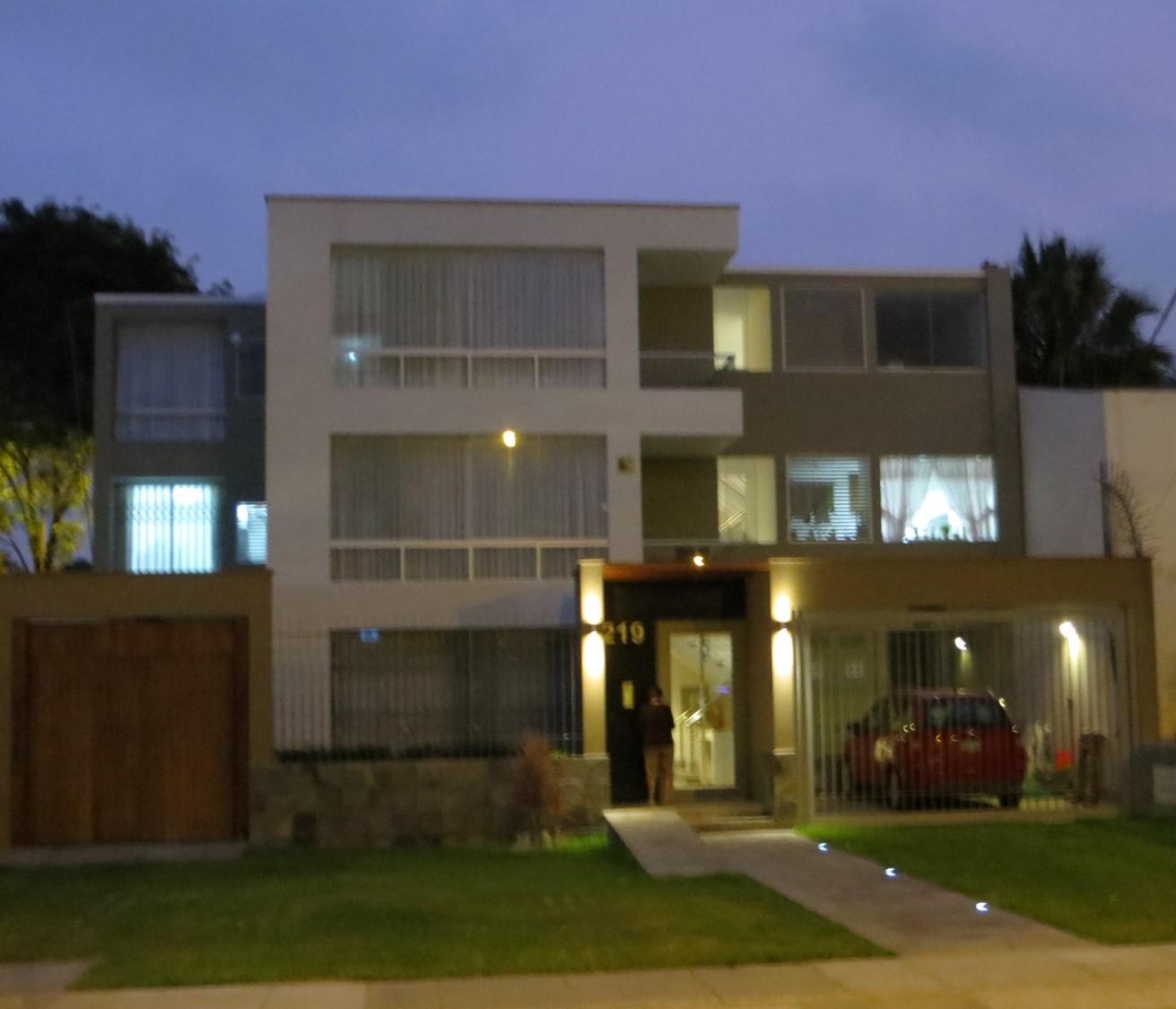 Fachadas Y Casas Moderna Casa De Tres Pisos