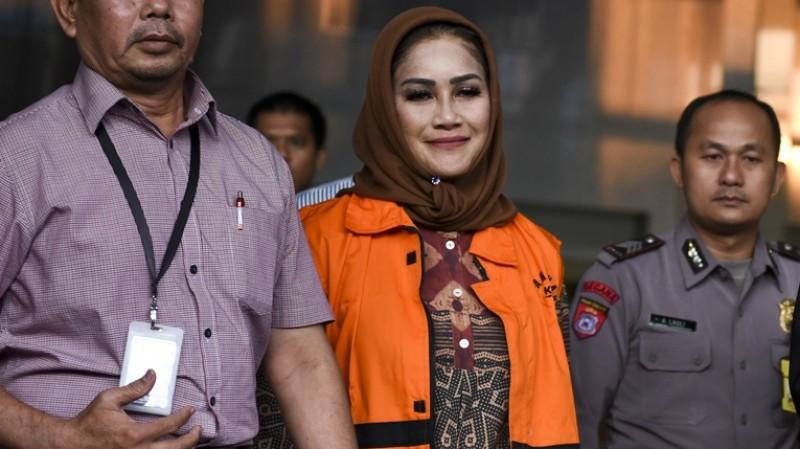Bunda Sitha ditahan KPK
