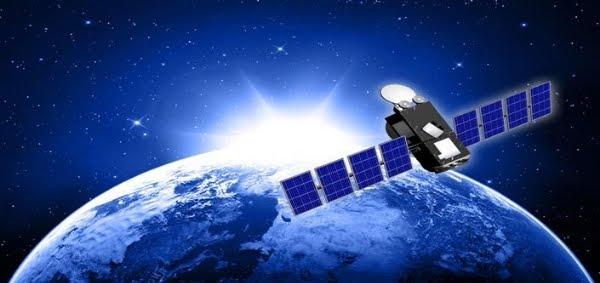 حصريا تعرف على الانترنت الفضائى حول قمر اوتلسات 21b .. عملاق الإنترنت الفضائي