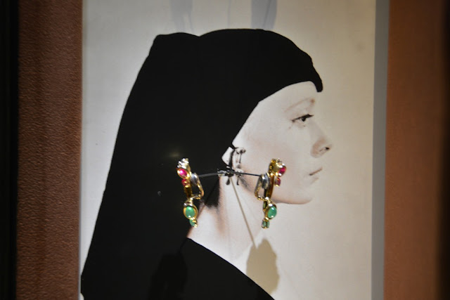 Dali Jewelry ear