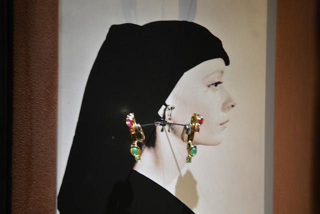 Dali Jewelry ear