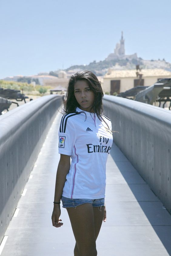 new concept 0a4ce c8c8f Sexy girls in soccer wear Real Madrid jersey.