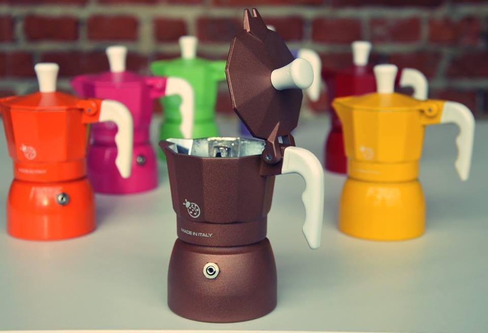 Historia, budowa i parzenie kawy w kawiarce.
