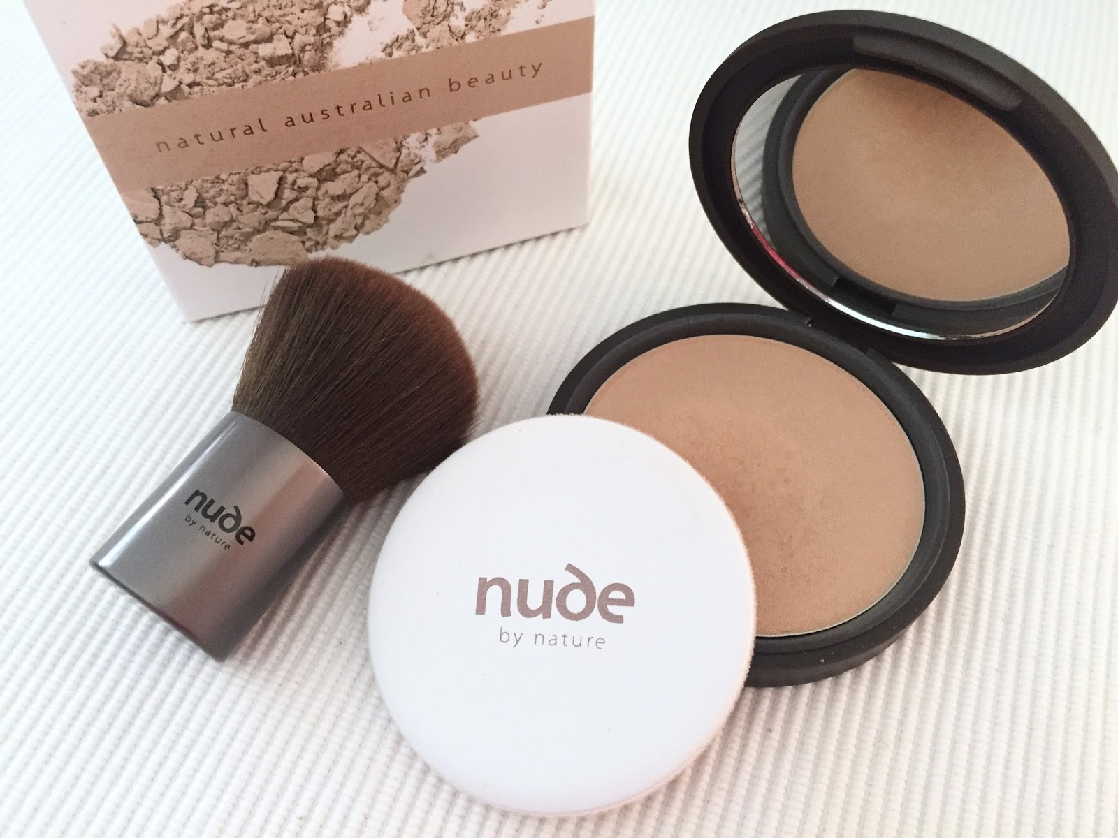 nature nude powder by mineral