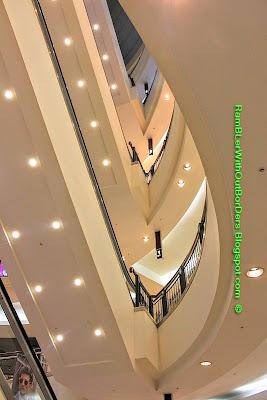 Stairs, Interior, Petronas Twin Tower, Suria KLCC, KL, Malaysia