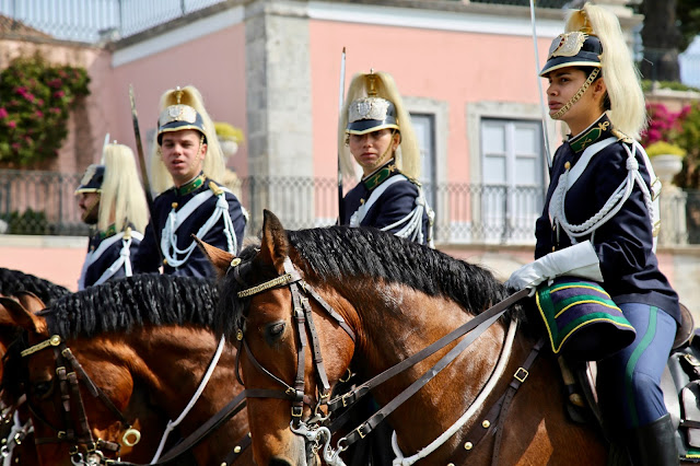 guards on horseback. near pasteis de belem, Lisbon, Portugal:  Pic: Keratin Rodgers/msmarmitelover