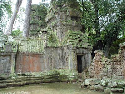 Lago no templo de Angkor Wat - Camboja