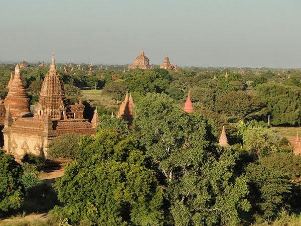Templos de Bagán a la luz del día