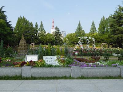 靭公園(うつぼこうえん)のバラ園