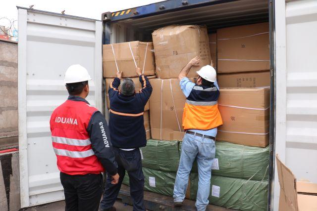 Aduanas incauta contendedor con juguetes falsificados en Iquique