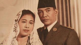 Foto Bung Karno dan Fatmawati / Catatan Adi