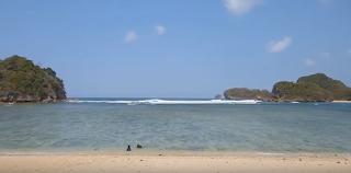 Harga Booking Tiket Pantai 3 Warna Malang, Paket Wisata Malang Bromo